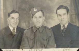 Photo de LAVAL JOSEPH PARADIS – Laval avec ses frères Edmond et Armand. Soumis dans le cadre du projet : Operation Picture Me