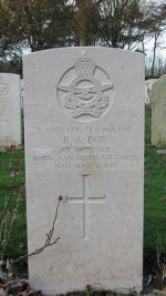 Grave Marker– Photo used with permission of Frans van Cappellen, Putten, The Netherlands Wellington aircraft W5372 was missing during a night bombing operation over enemy-held territory.  FS Doe and FS M. Duncan were the only two Canadians on board.  Also killed was a member of the RAAF and three RAF members. (Source:  They Shall Grow Not Old, Commonwealth Air Training Plan Museum, Brandon, Manitoba)
