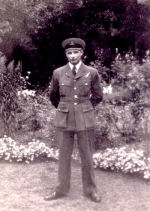 Photo of Vincent MacCausland– Vincent MacCausland standing at ease