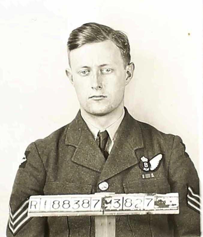 Photo of JOHN HUNTER CARTER– Carter, John Hunter photo from Canadian Service Record