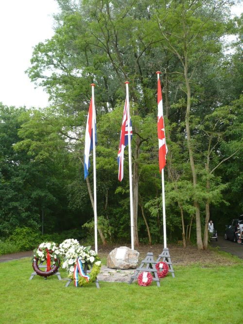 Memorial– Wellington Memorial in Vlaardingen, The Netherlands, commemorating William Pipher and the other crew members. Photo courtesy of Pieter Schlebaum.