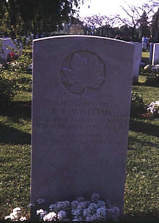 Headstone of Thomas Roy Williams