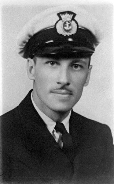 Photo de Joseph-Albert Ouellet – Joseph-Albert Ouellet, second officier du tanker « Victolite » de la compagnie Imperial Oil, coulé en mer par le U-564.