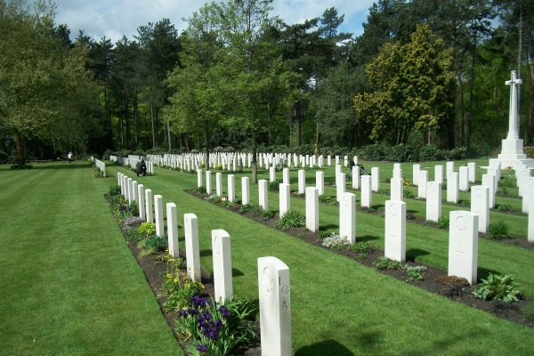 Cemetery– Bergen-op-Zoom Canadian War Cemetery - May 2015 … Photo courtesy of Marg Liessens