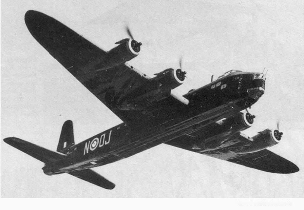 Short Stirling R 9167– This is a photo of the with code OJ-N which crashed in Kronenberg (Municipality Sevenum) on October 2nd 1942 and caused the death of William Roy Greenslade and his crew. On October 7th of this year 2017 a memorial will be unveiled on the spot of the crash. Twelve family members of Roy Greenslade, amongst them his youngest brother,  will attend the ceremony.