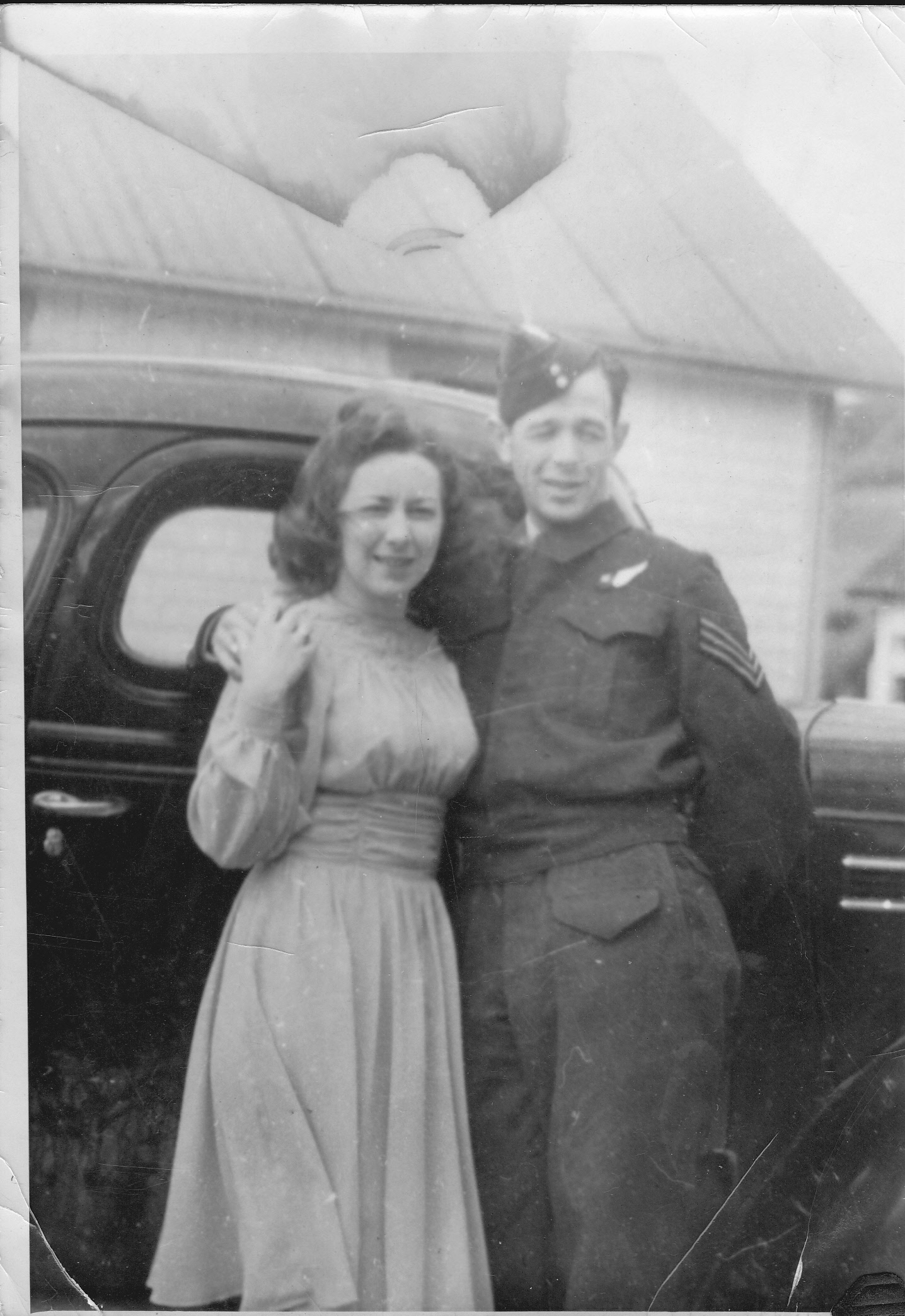 Group Photo– Lloyd and Ruth shortly before shipping overseas