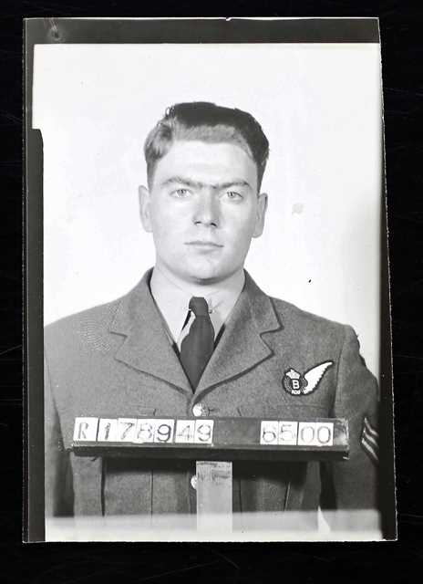 Photo of ROBERT EUGENE NILES– photo from service file