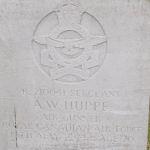 Pierre tombale familiale – Photo fournie gracieusement par The Commonwealth Roll Of Honour Project. Volontaires Mike et Dale Symmonds