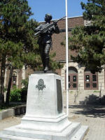 Memorial– In memory of the Harbord Collegiate Institute students who served during World War 1 and World War 11 and did not retrun home.   Submitted for the project Operation: Picture Me