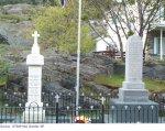 """Monument – """"Robert est commémoré sur ce monument à Portugal Cove,  Terre-Neuve."""""""