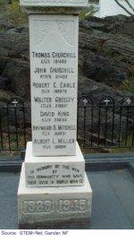 """Monument 2 – """"Monument situé à Portugal Cove sur lequel Robert est honoré."""""""
