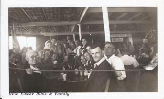 Family Photo– Sgt Wilfrid Blais with father Elzéar, Mother Élisabeth (Michaud) and family travelling to Niagara.