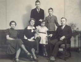Photo of JOHN EDWIN GARDINER– Edwin and Wilfrid (back row), Florence, Violet, Beth and Rt Hon. James Gardiner. Submitted for the project, Operation Picture Me