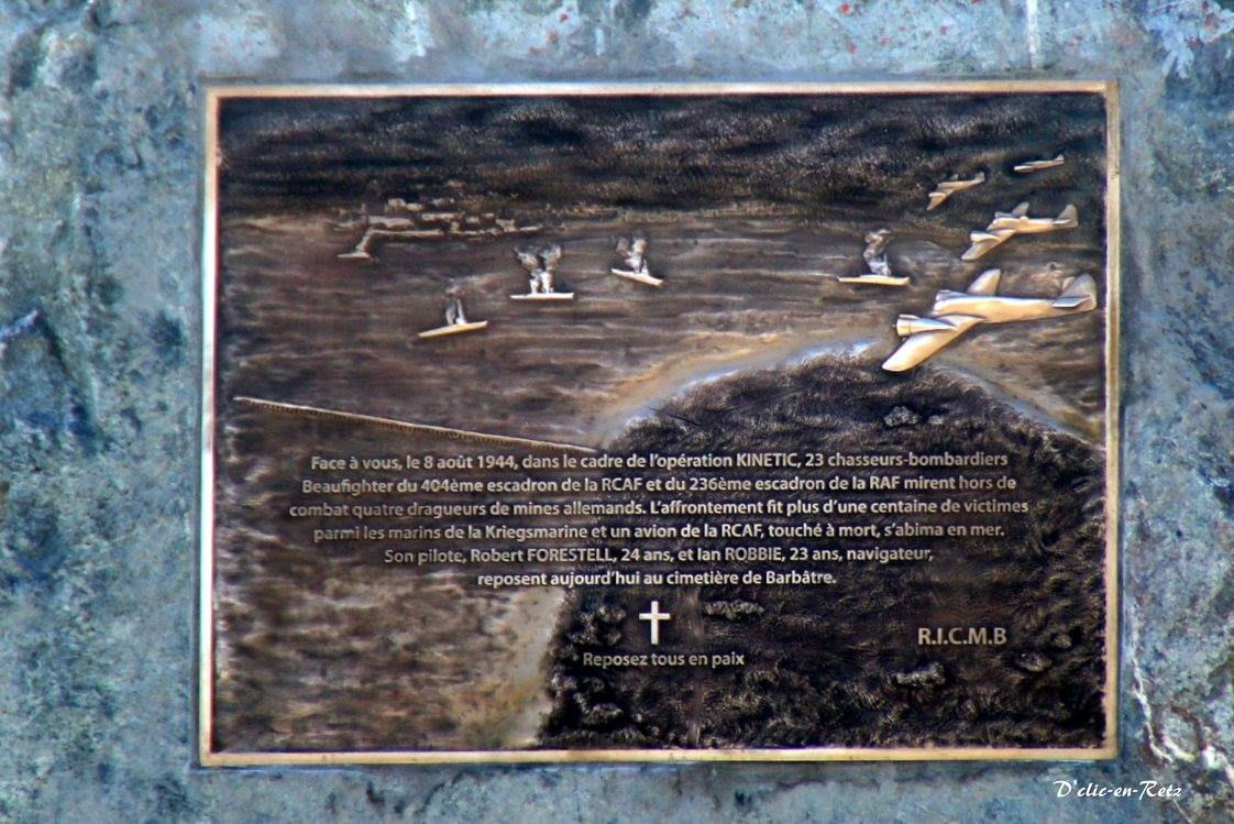 Inscription– This memorial was unveiled on August 6, 2016 which honours Ian Robbie and Robert Forestell who were killed in a plane crash on August 8, 1944.
