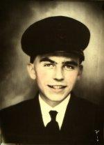 Photo de Lothrop McCallum – Le matelot de première classe Lothrop McCallum est mort le dimanche 8 octobre 1944.