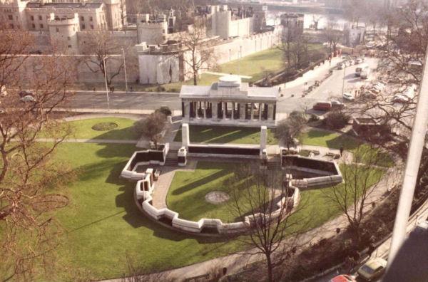 MONUMENT COMMÉMORATIF DE TOWER HILL