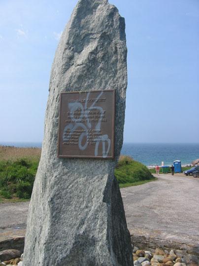 Pors Liogan Monument