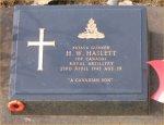 Grave marker– Photo Taken Mid December 2006, after Remeberance day.