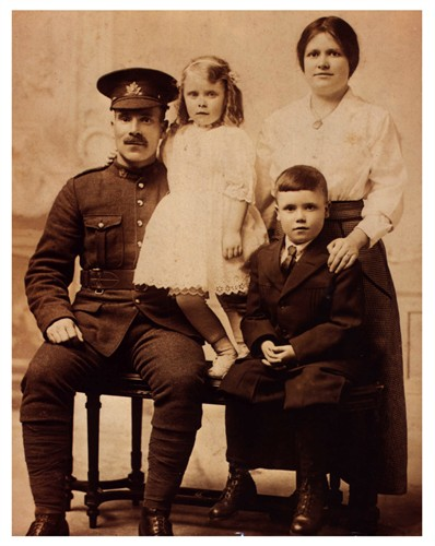 Family Photo– Alfred Barrett, parents Bessie and Alf Barrett, daughter Bessie,and wife Daisy Barrett (nee Critcher)
