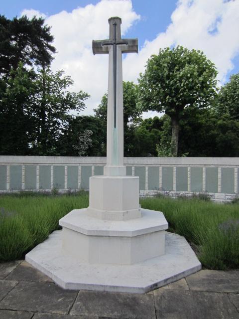 Cross of Sacrifice– Cross of Sacrifice at Hollybrook Cemetery in Southampton, UK