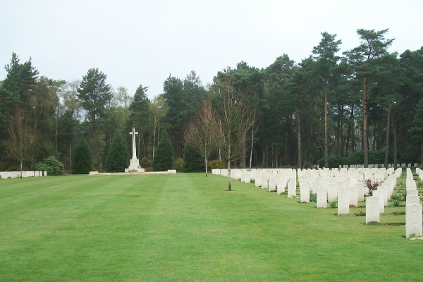 Cemetery– Cross of Sacrifice - Brookwood Military Cemetery - April 2017 … photo courtesy of Marg Liessens