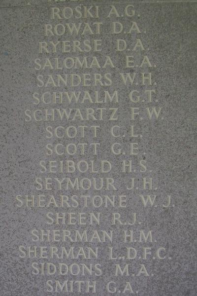 Inscription – Mémorial de Runnymede - Septembre 2010 ... Photo gracieuseté de Marg Liessens