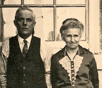 Photo of Arthur Barker and Elizabeth Dearden– Parents of James Arthur Barker are Arthur Barker and Elizabeth Dearden. He also had two brothers that returned from the War, William Barker and Albert Barker. Their sister was married to Richard Gray who was also a returned soldier, gassed twice.