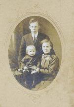 Photo de Famille – William G. Ross et famille, Woodstock, Ont. 1914