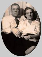 Son frère John et sa femme – Voici John Cahill et sa femme plus tard. Il est le frère du soldat tombé, Martin Cahill. (On fait référence à John au cours de la lettre à R.H. Bennett)