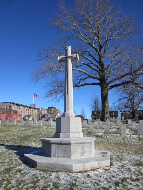 Memorial– Cross of Sacrifice at Fort Massey Cemetery in Halifax, Nova Scotia, Canada. Image taken 20 December 2015 by Tom Tulloch.
