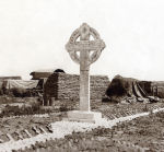 Memorial– Vimy Cross erected by the 15th Battalion following the 9 April 1917 battle at Vimy Ridge to commemorate those who fell during the engagement.  Photo from the archives of the 48th Highlanders Museum, Toronto.  Provided by BGen (ret) G Young and submitted by Capt (ret) V Goldman of the 15th Battalion Memorial Project.  DILEAS GU BRATH