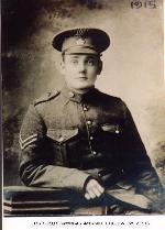 Photo de Thomas Lewis Briggs – Photo prise en 1915 pendant son service dans le 45e Bataillon du Corps expéditionnaire canadien.