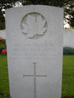 Grave Marker– Killed in action. Photo and additional information provided by The Commonwealth Roll Of Honour Project. Volunteer Julie Lukins