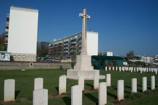 Cross of Sacrifice– Ste Marie Cemetery - April 2017 ... photo courtesy of Marg Liessens