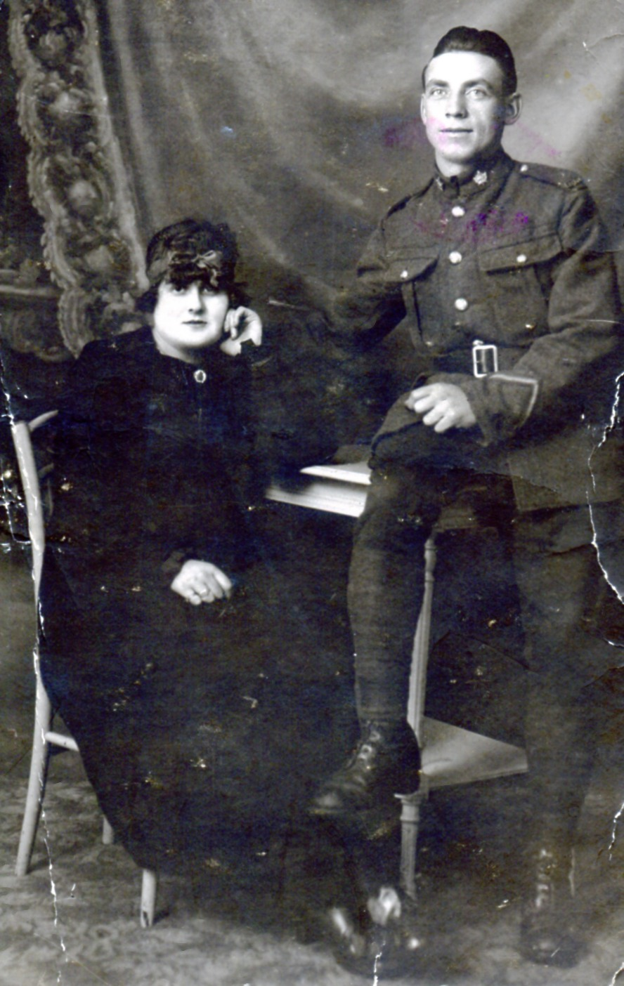 Group Photo– Henry Edward Eaton Ragaine next to Charlotte , the mother of his two children ; Liliane Eaton and Henry. Photo realized in Boulogne-sur - Wed November 10, 1917