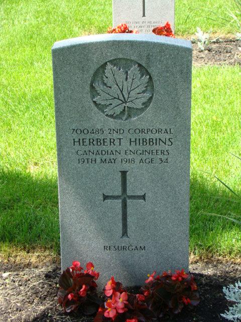 Grave Marker– Grave marker of 2nd Corporal Herbert Hibbins, 700485
