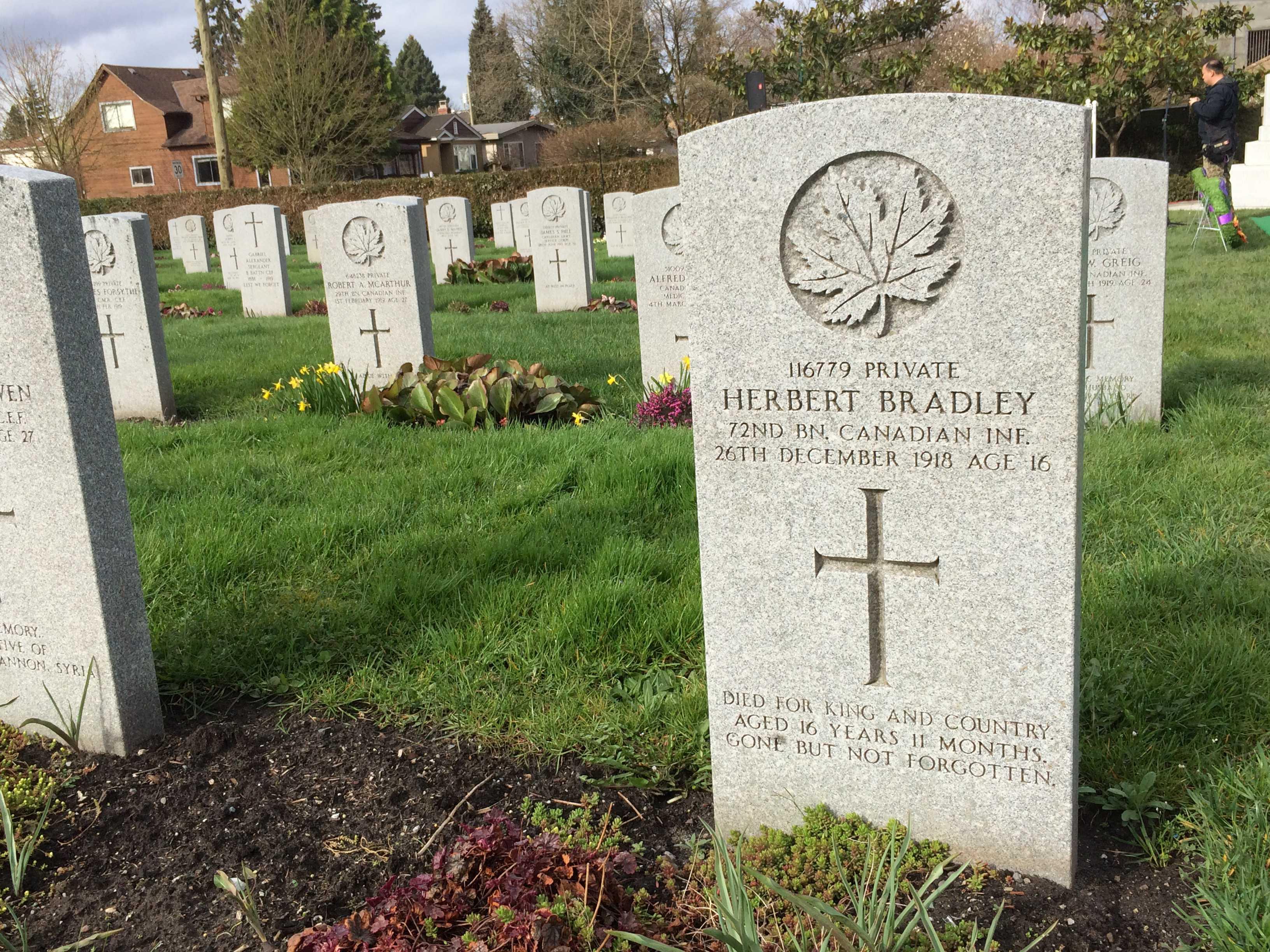 Grave Marker– Grave of 116779 Pte Herbert Bradley, 72nd Battalion, Seaforth Highlanders of Canada