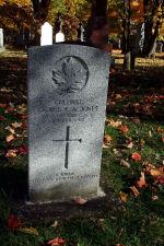 Pierre Tombale – Stèle funéraire dans le cimetière Mount Hermon, à Québec.