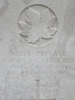 Grave Marker– Grave of Pte Harold H G Clinkard 15th Bn (48th Highlanders of Canada) Lijssenthoek British Military Cemetery, Belgium. Dileas Gu Brath.  Photo by BGen G Young 15th Bn Memorial Project Team 11 Nov 09