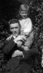 Group Photo– Herbert Hall with younger brother, Loris Hall (taken about 1915).