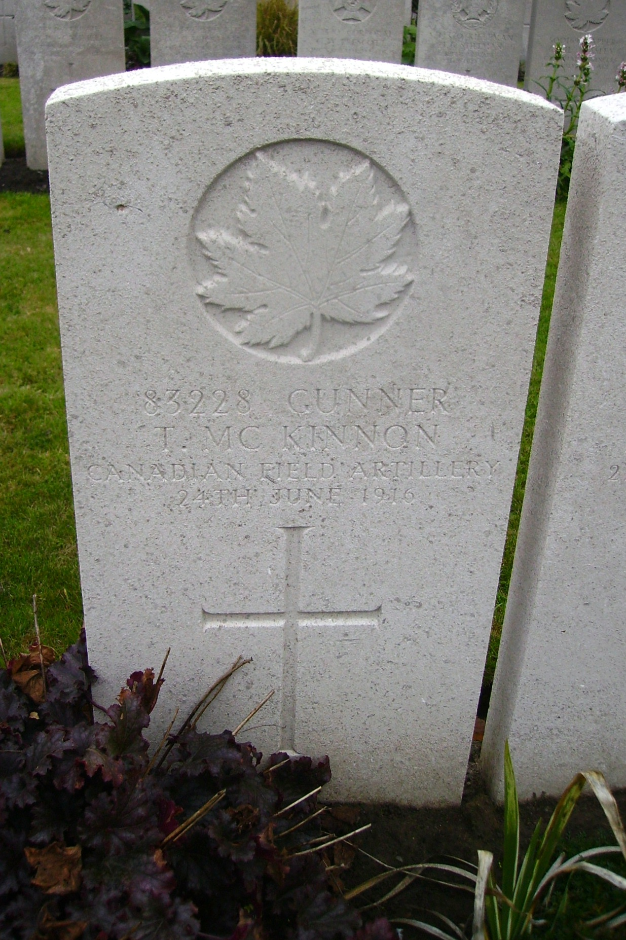 Grave marker– Lijssenthoek Military Cemetery … photo courtesy of Marg Liessens
