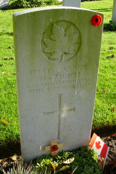 Grave Marker– Grave marker … Ramparts Cemetery (Lille Gate) … photo courtesy of Marg Liessens