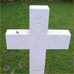 Pierre tombale  – Photo par Malcolm Cromarty.