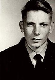 Aviateur-chef John Garry McDougall
