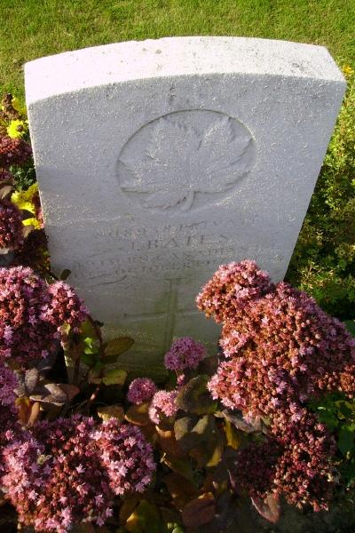 Grave Marker– Grave marker … Passchendaele New British Cemetery … photo courtesy of Marg Liessens
