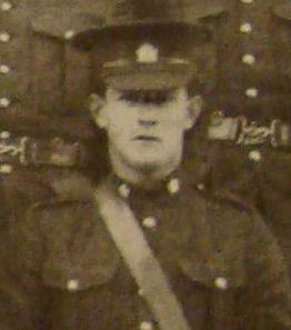 Photo of Peter Kinnear– Pte Peter Kinnear, 13th Platoon, 4th Company, 28th Battalion.  Source:  Second Contingent, Military District 10 Souvenir Photo Album, 1915