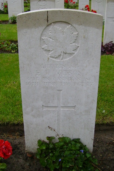 Grave Marker– Zillebeke Churchyard, Belgium ... September 2007 ... Photo courtesy of Marg Liessens