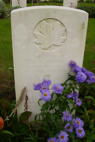 Grave Marker– Grave marker, Railway Dugouts Burial Ground. Photo courtesy of Marg Liessens.