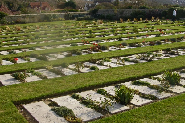 Cemetery– Wimereux Communal Cemetery … photo courtesy of Marg Liessens