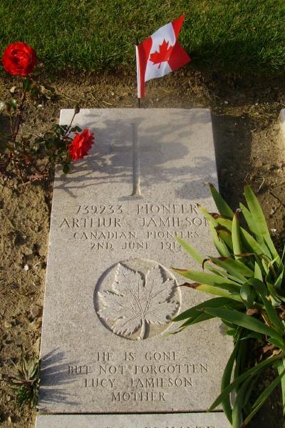 Grave Marker– Grave marker - Wimereux Communal Cemetery … photo courtesy of Marg Liessens